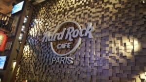 Logo du Hard Rock Café à l'intérieur