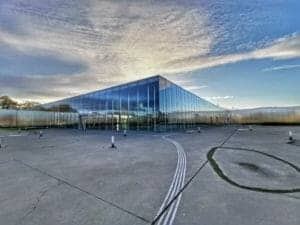 Le Musée du Louvre Lens vu de l'extérieur
