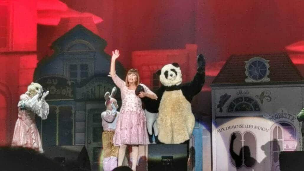 Chantal et Pandi Panda saluent le public