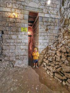 Avis sur la cité souterraine de Naours 1