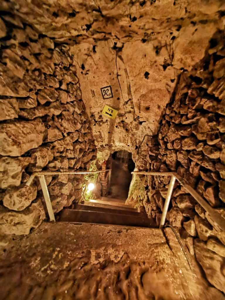 Read more about the article Avis sur la cité souterraine de Naours