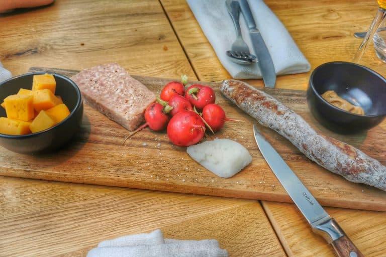 Photo de la planche de charcuterie à l'estaminet Anosteké à Blaringhem